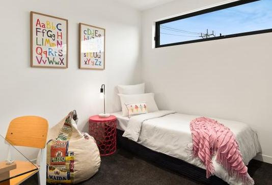 Kids Bedroom 1-001